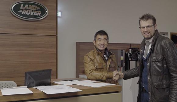 韩岳签约照 02.jpg