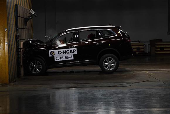 3--东风雷诺全新一代科雷傲在2018年C-NCAP碰撞测试中荣获五星安全评级.jpg