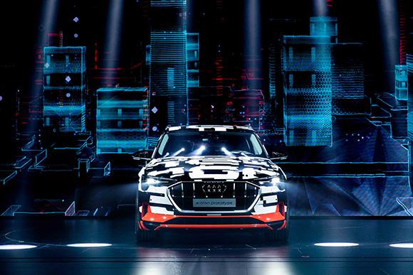 8.奥迪首款纯电动量产车型、首款纯电动SUV——奥迪e-tron完成中国首秀.jpg