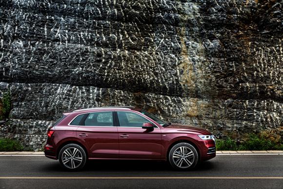 6. 全新奥迪Q5L首开国产SUV的加长先河,轴距和车长均为同级之最.jpg