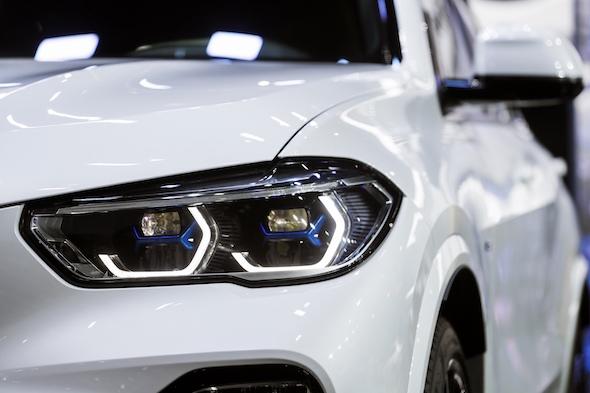 02.全新BMW X5 X型智能激光大灯.jpg