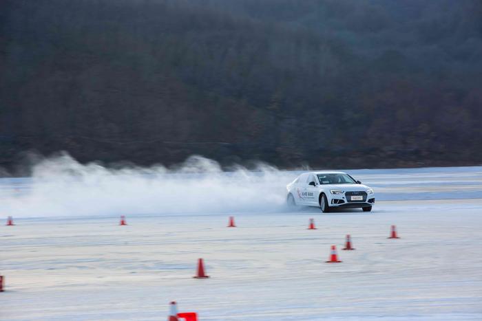 3.丰富的科目训练,必将带来全方位的冰雪驾乘体验.jpg