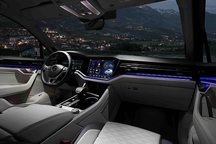 10.全新一代途锐 数字化驾驶舱Innovision Cockpit.jpg