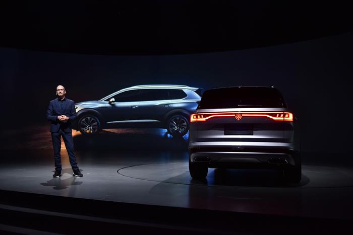 大众汽车乘用车品牌首席设计师Klaus Bischoff.jpg