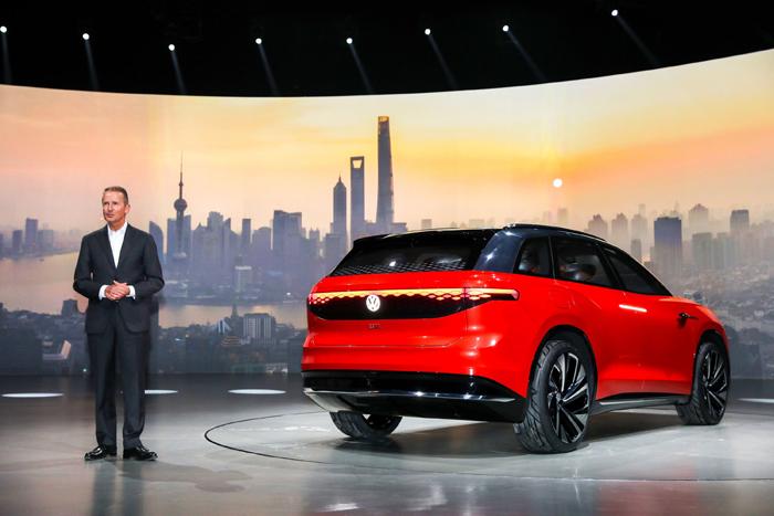 大众汽车集团管理董事会主席,大众汽车乘用车品牌管理董事会主席迪斯博士.jpg