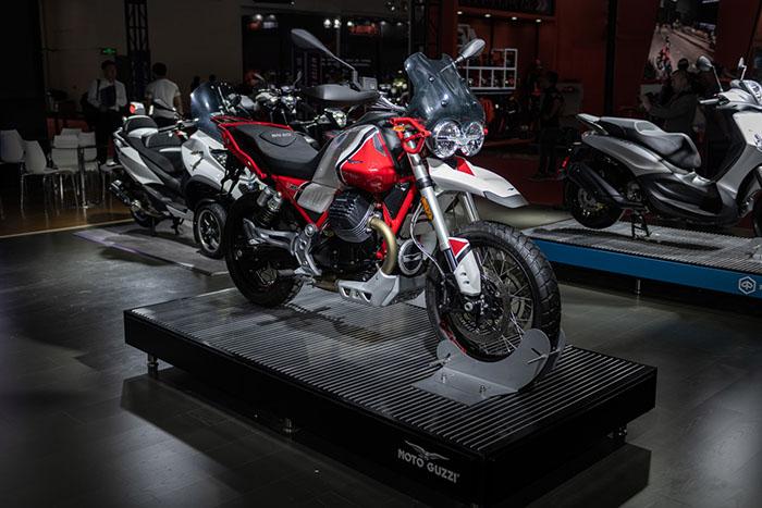 Moto Guzzi V85 TT亮相北京国际摩托车展览会-1.jpg