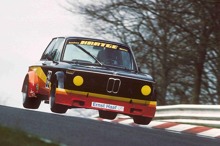 04.BMW 2002.jpg