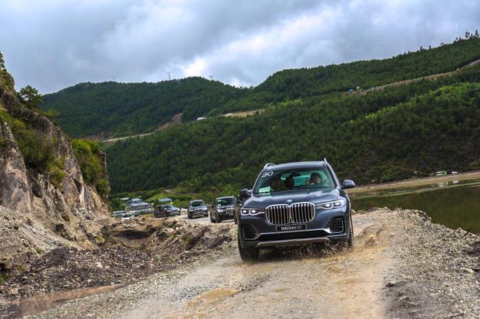 201907-BMW-2P700-003.jpg