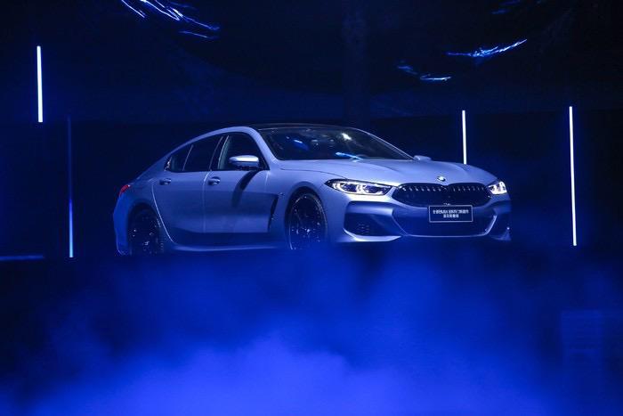 BMW-8-007.jpg