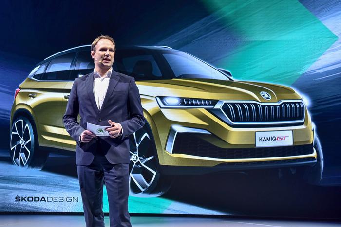 新聞圖片2:斯柯達中國總裁韓盛博士(Dr. Ralf Hanschen)說柯米克GT是一款專門面向中國年輕客戶的時尚動感轎跑SUV.jpg