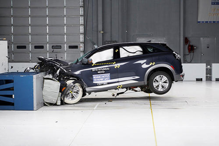 3.現代NEXO參加美國公路安全保險協會(IIHS)車輛碰撞測試.jpg