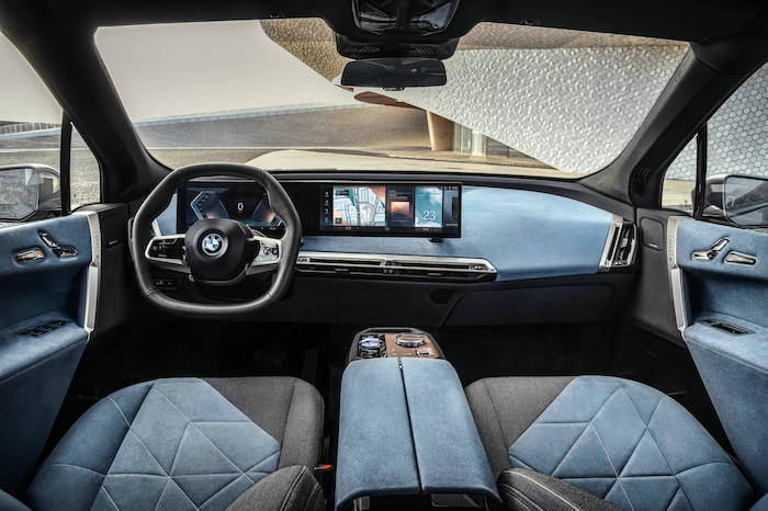 07.創新純電動BMW iX駕駛座艙.jpg