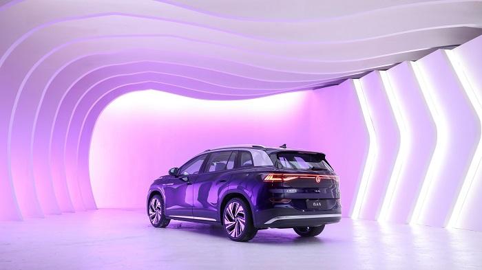 大眾汽車利用創新的擴展現實(XR)技術首次向全世界展示了ID.6.jpg