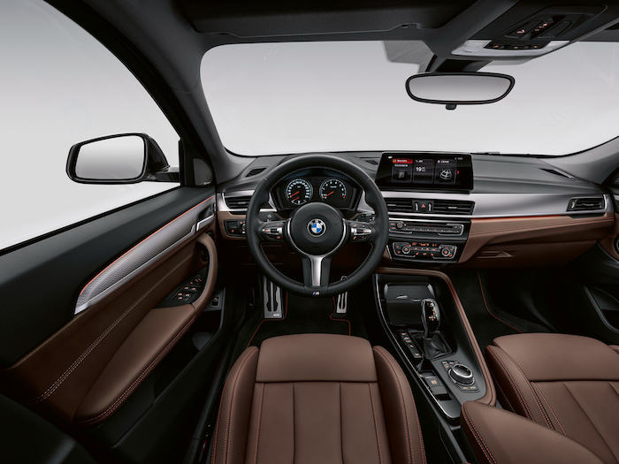 06.創新BMW X2內飾.jpg